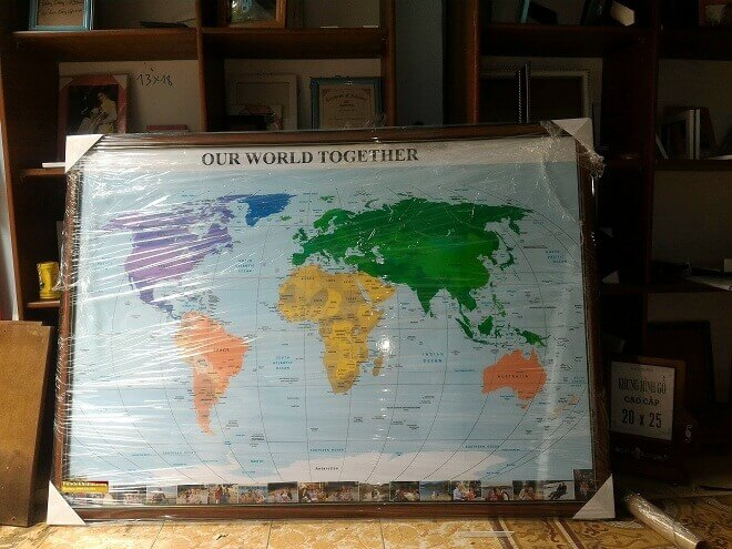 Bản đồ thế giới đóng khung 02